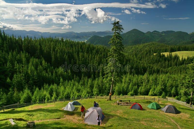 Tentes en montagne photos stock