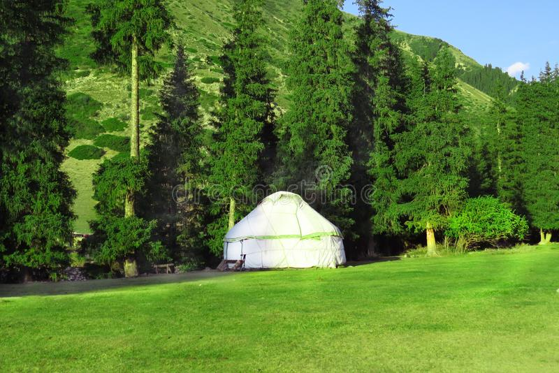 Tentes nomades Yurt chez le Kirghizistan, Jeti Oguz images stock