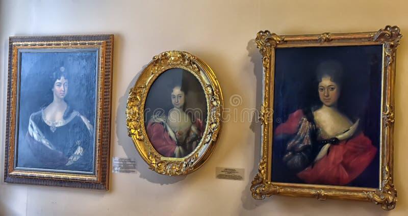 Tentoonstelling van schilderende Peter Groot Tijd en Plaatsen royalty-vrije stock afbeelding