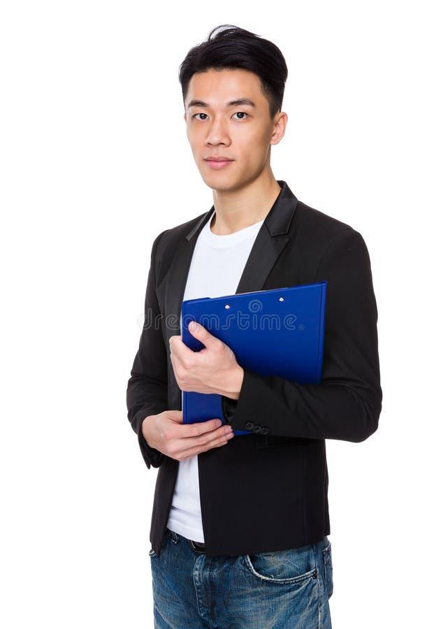 Download Tenuta Dell'uomo D'affari Con La Lavagna Per Appunti Immagine Stock - Immagine di archivio, clipboard: 55355673
