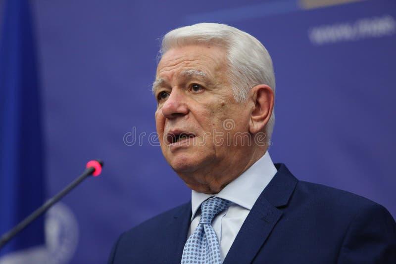 Teodor Viorel Melescanu, Roemeense Minister van Buitenlandse zaken stock afbeeldingen
