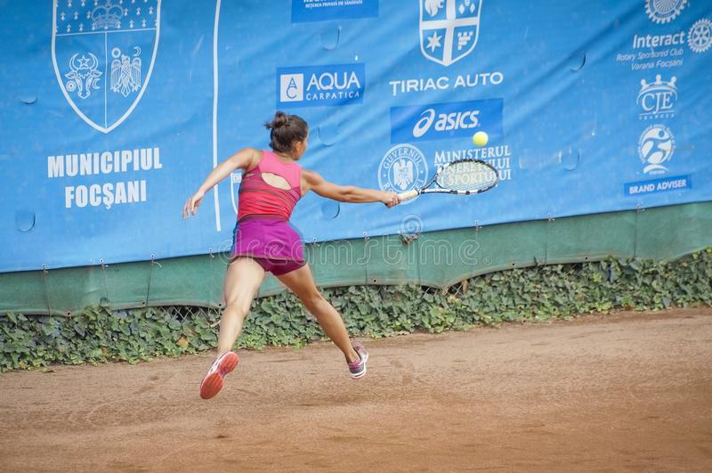 Teodora Stinga no competiam de tênis internacional foto de stock