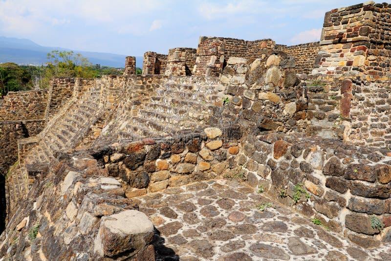 Teopanzolco pyramid II arkivfoton