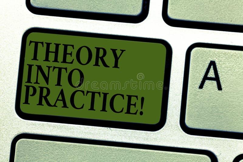 Teoria del testo della scrittura in pratica Il concetto che significa le mani sull'apprendimento applica la conoscenza in tastier royalty illustrazione gratis