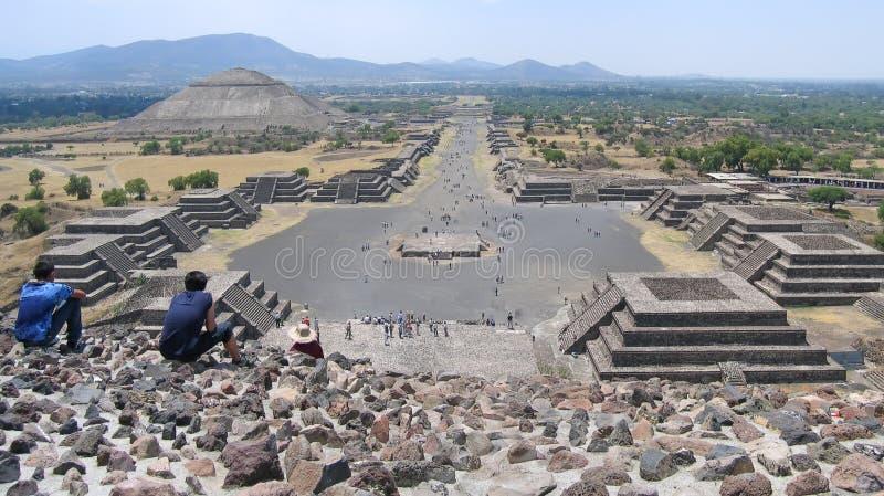 Teotihuacan dalla piramide della luna, Messico, panorama immagini stock