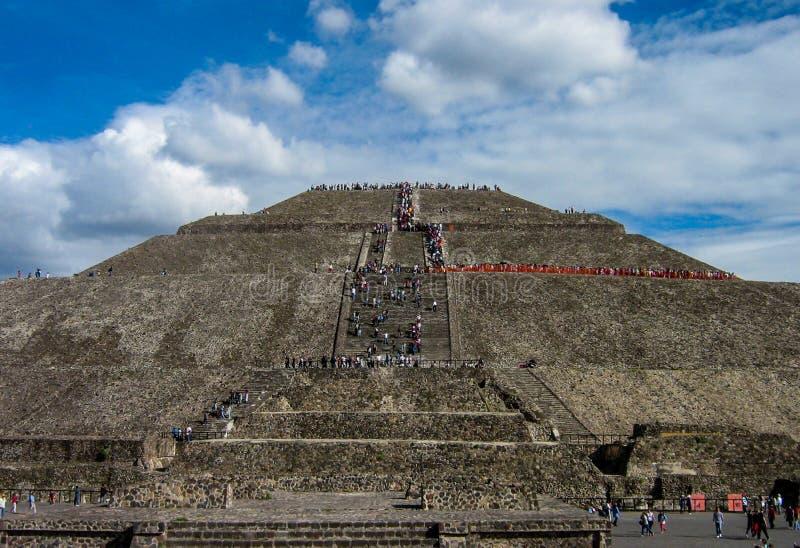 Teotihuacan, piramide del Sun fotografia stock