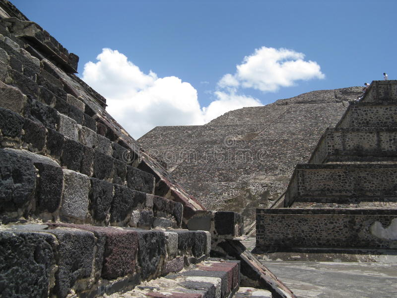 teotihuacan pyramid royaltyfri fotografi