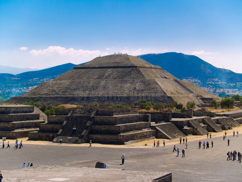 teotihuacan pyramider royaltyfri foto