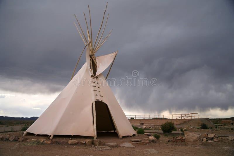 Tepee - maison indienne indigène images libres de droits