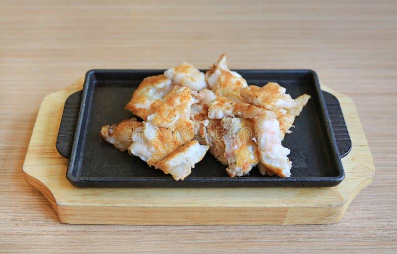 Teppanyaki kałamarnicy jajko na gorącym talerzu karmowy japoński tradycyjny fotografia royalty free