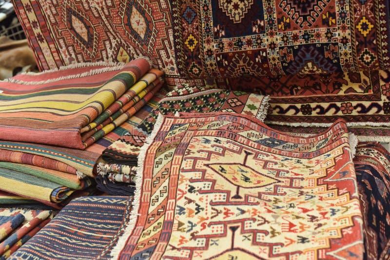Teppiche im Speicher stockfoto