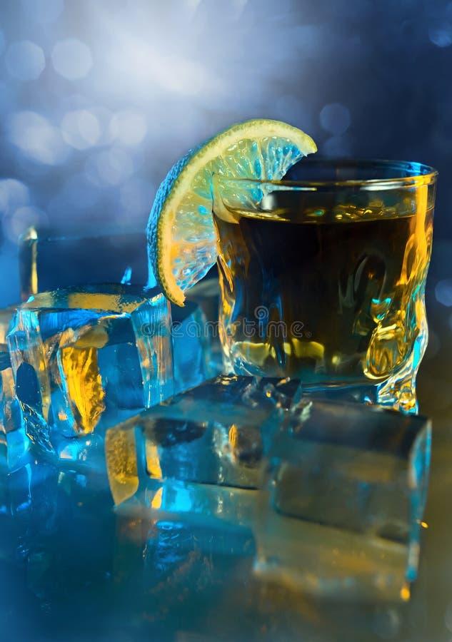 Tequila, kalk en ijs. royalty-vrije stock foto's