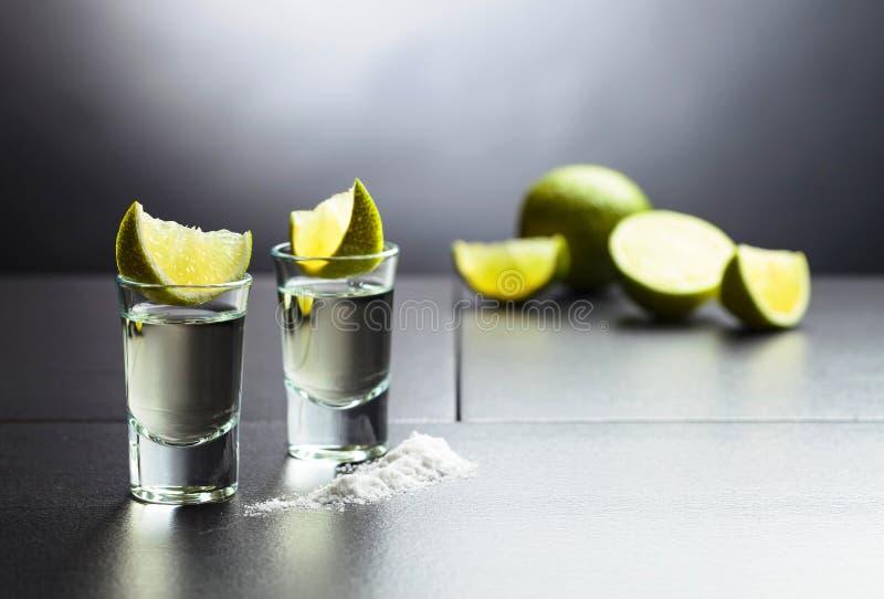 Tequila, kalk en zout stock foto