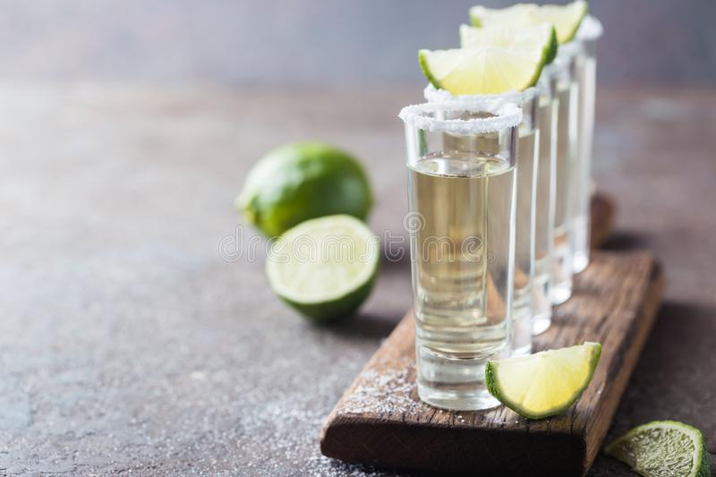 Tequila mexicaine d'or images stock