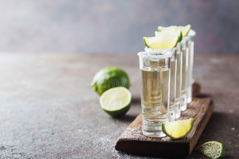 Tequila mexicano do ouro fotografia de stock royalty free