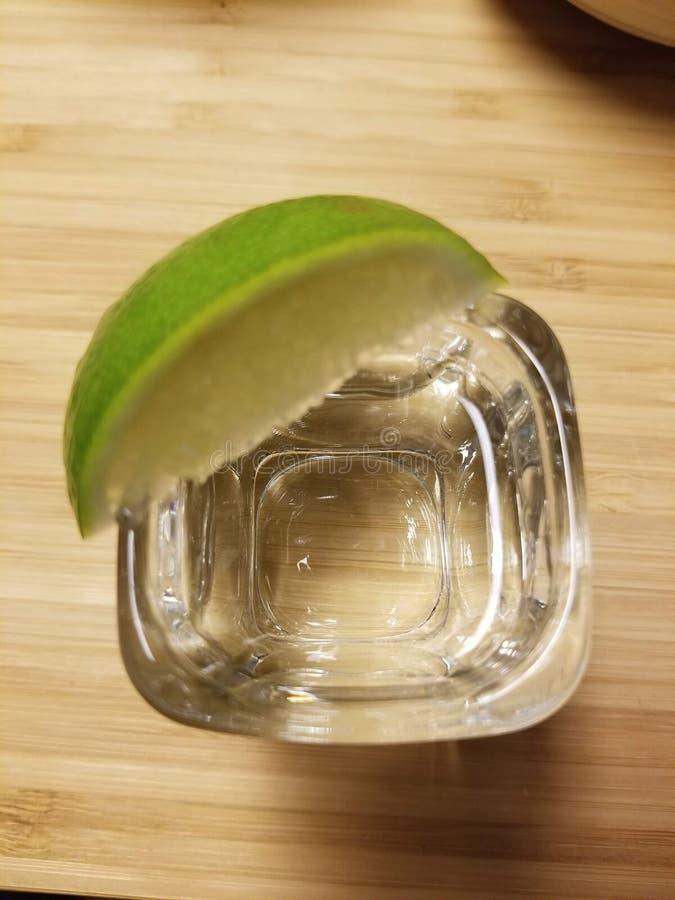 Tequila och limefrukt royaltyfria foton