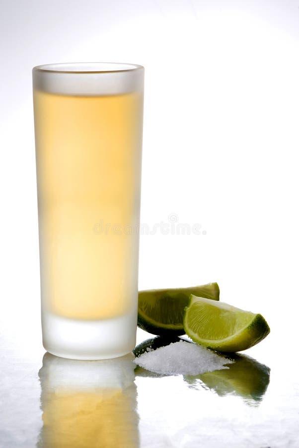 Tequila schoot één witte achtergrond royalty-vrije stock fotografie