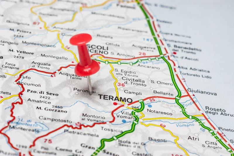 Teramo przyczepiał na mapie Włochy obraz stock