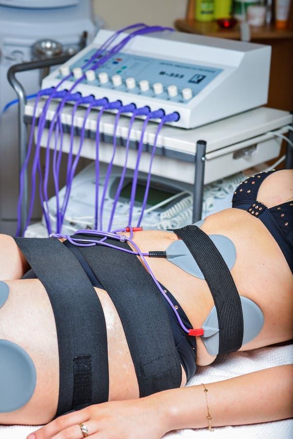 Terapi för skönhetmittelectrostimulation royaltyfri fotografi