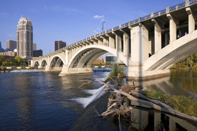 Terceira ponte da avenida em Minneapolis imagem de stock royalty free