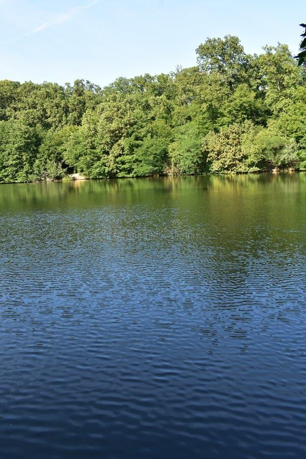 Terceiro lago no parque de Maksimir imagem de stock