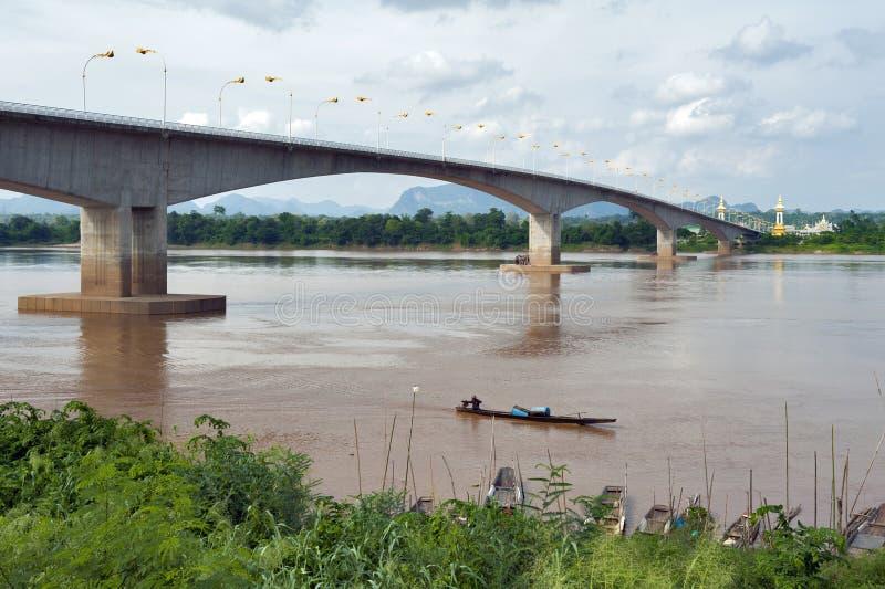 """Tercer Thai†""""Lao Friendship Bridge sobre el río Mekong que conecta Tailandia con Laos imágenes de archivo libres de regalías"""