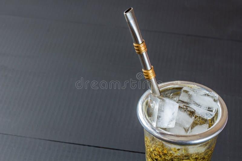 Terere bebida congelada del compañero del yerba imagen de archivo