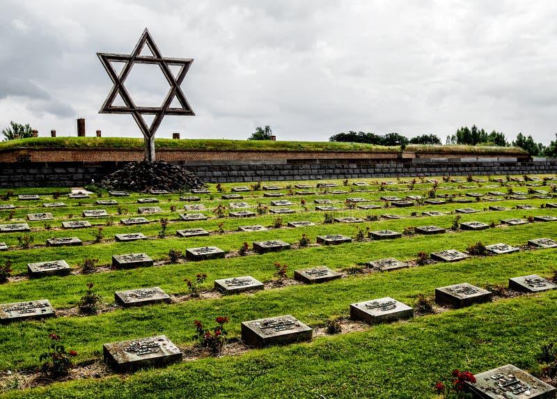 Terezin minnesmärke judisk cementery royaltyfria bilder