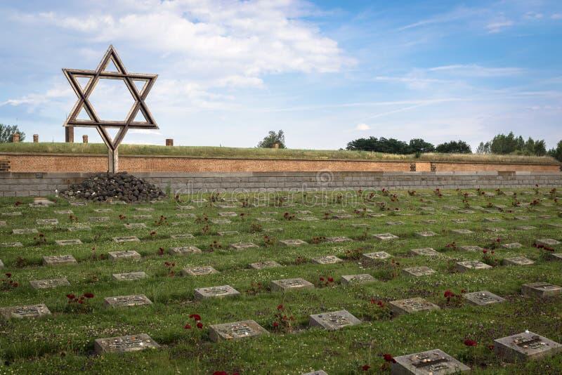 Terezin minnesmärke och kyrkogård royaltyfria bilder