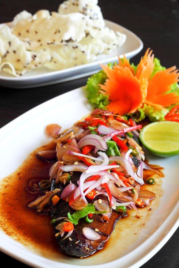 teriyaki соуса салата saba травы рыб пряное стоковое изображение rf