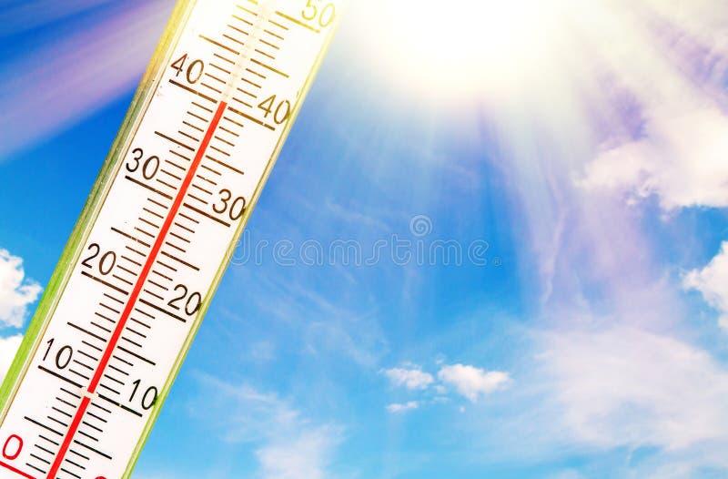 Termómetro en el sol foto de archivo