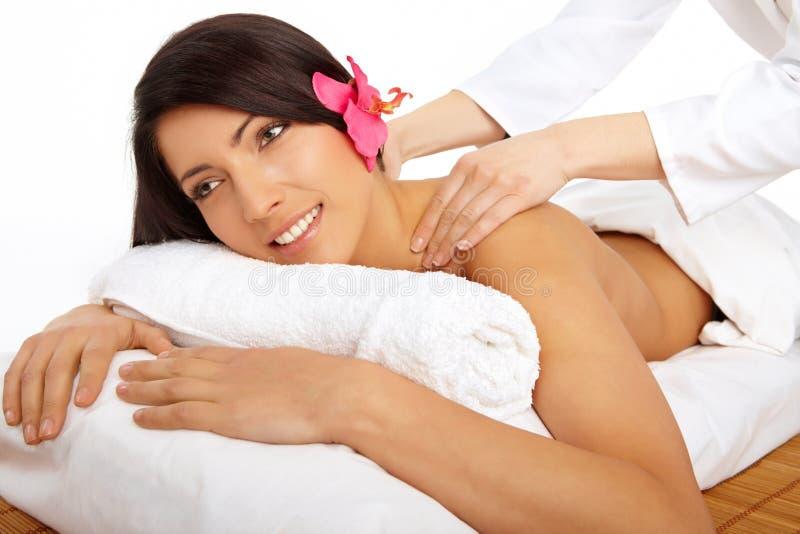 Termas de relaxamento da mulher atrativa imagens de stock royalty free