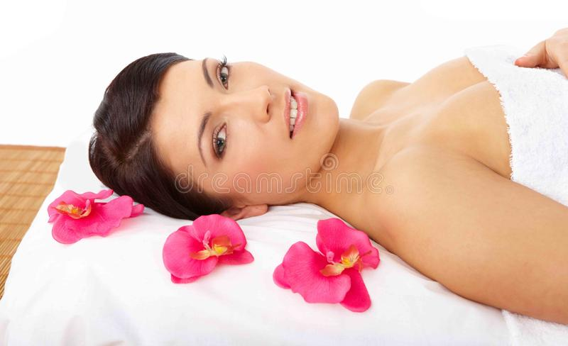Termas de relaxamento da mulher bonita foto de stock