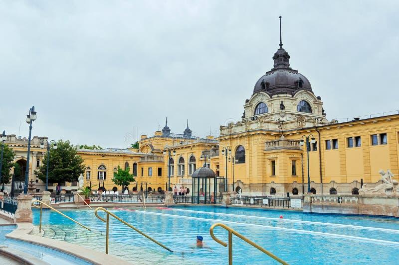 Termas do banho de Szechenyi em Budapest (Hungria) fotografia de stock royalty free