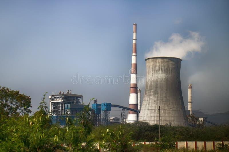 Termiczna elektrownia w India obraz stock
