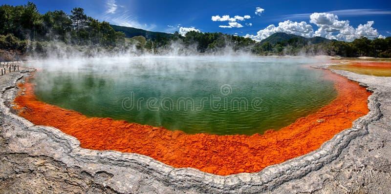 Termiczny jeziorny Szampański basen, Nowa Zelandia zdjęcie stock
