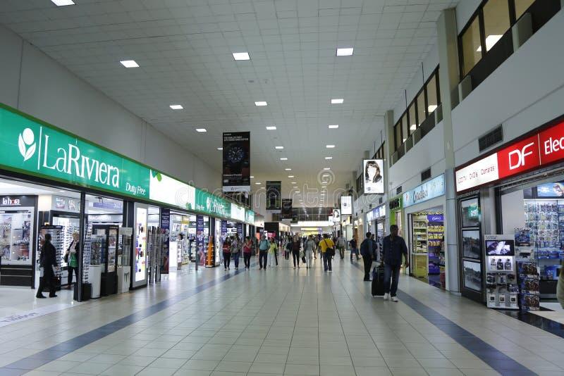 Terminal à l'aéroport international de Tocumen à Panamá City images libres de droits