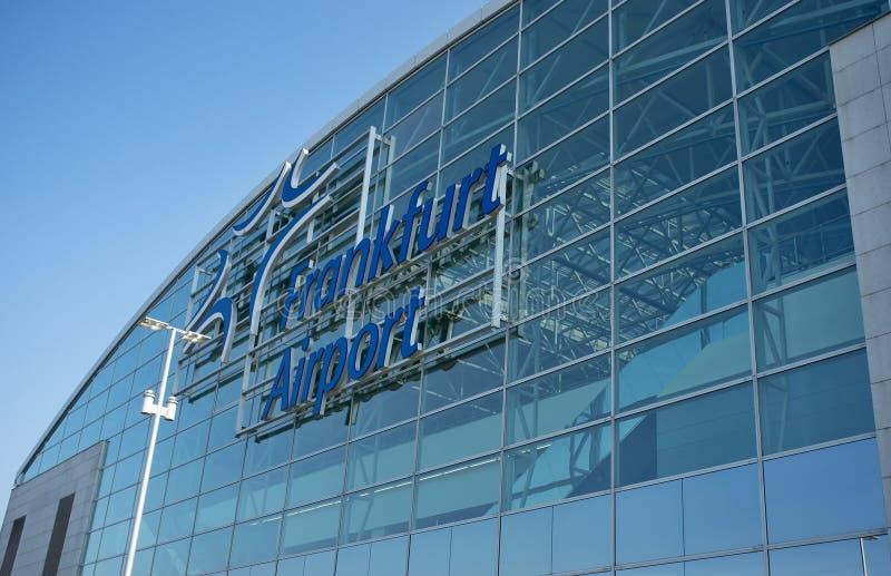 Terminal de aeropuerto de Francfort 2 - edificio moderno fotografía de archivo libre de regalías