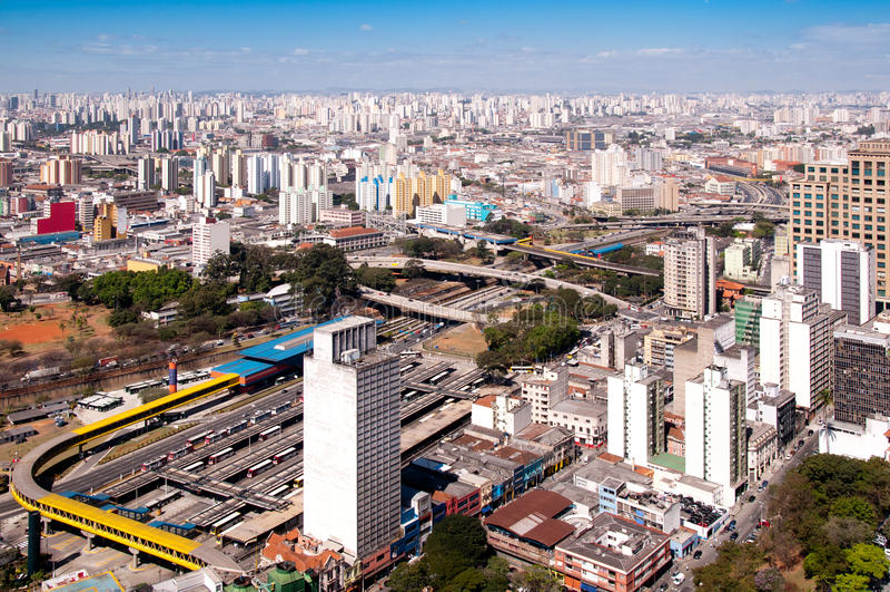 Terminal de barramento nos DOM Pedro do parque, Sao Paulo imagem de stock