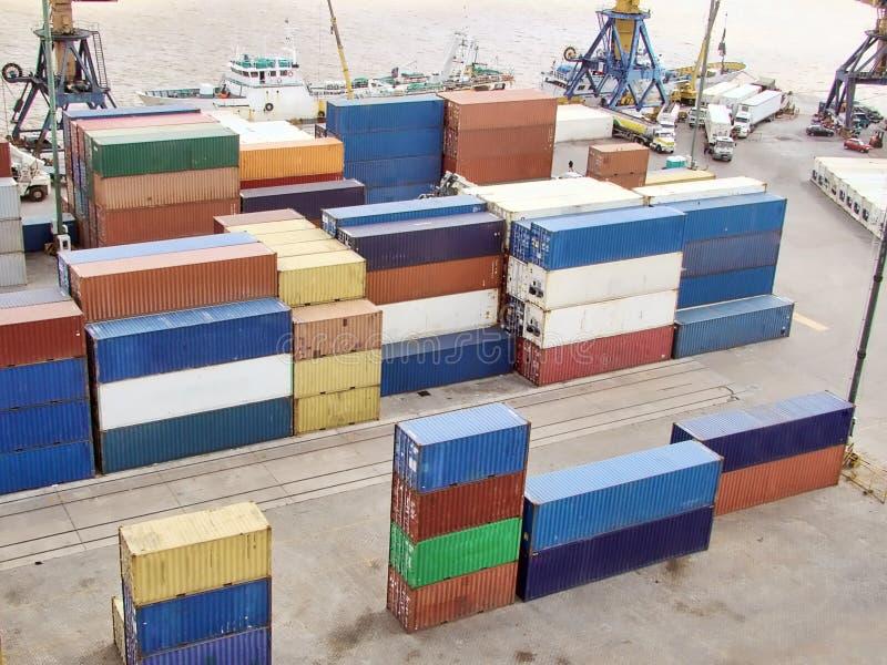 Terminal de contenedores imagen de archivo