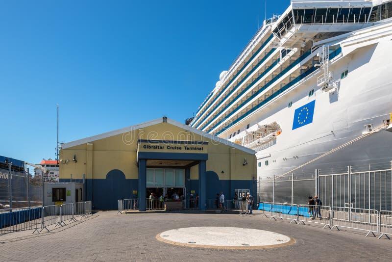 Terminal de croisière au port du Gibraltar image libre de droits