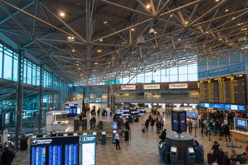 Terminal de départ à l'aéroport international de Helsinki, Finlande photos stock