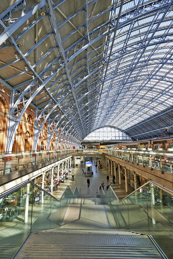 Terminal de la estación de St Pancras imagen de archivo