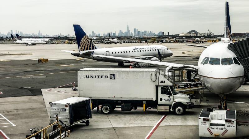 Terminal de United Airlines em Newark Liberty International Airport fotografia de stock