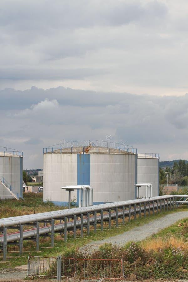 Terminal del almacenamiento de gasolina fotos de archivo