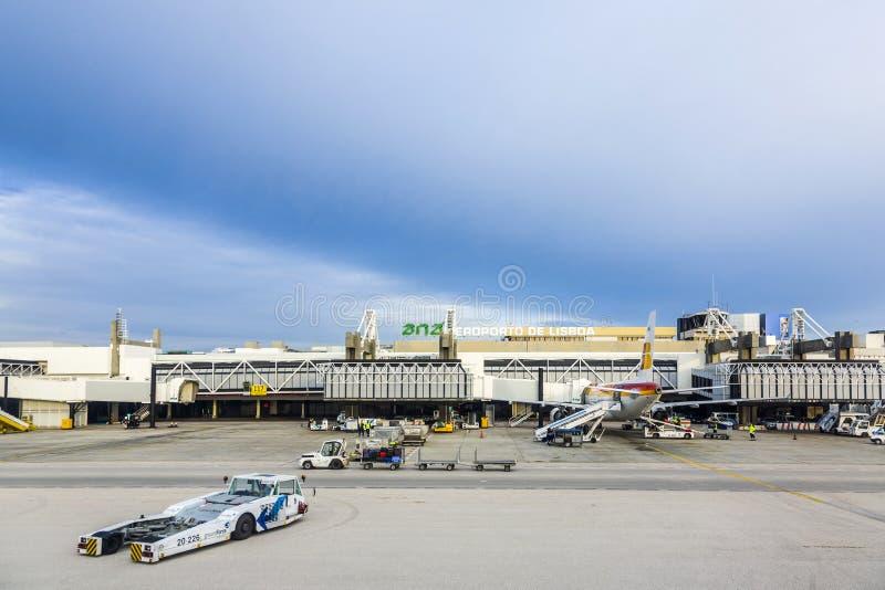 Terminal do aeroporto de Lisboa fotografia de stock