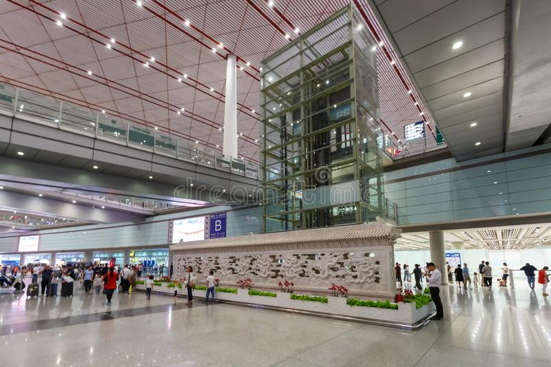 Terminal 3 do Aeroporto Internacional de Beijing Capital na China fotografia de stock