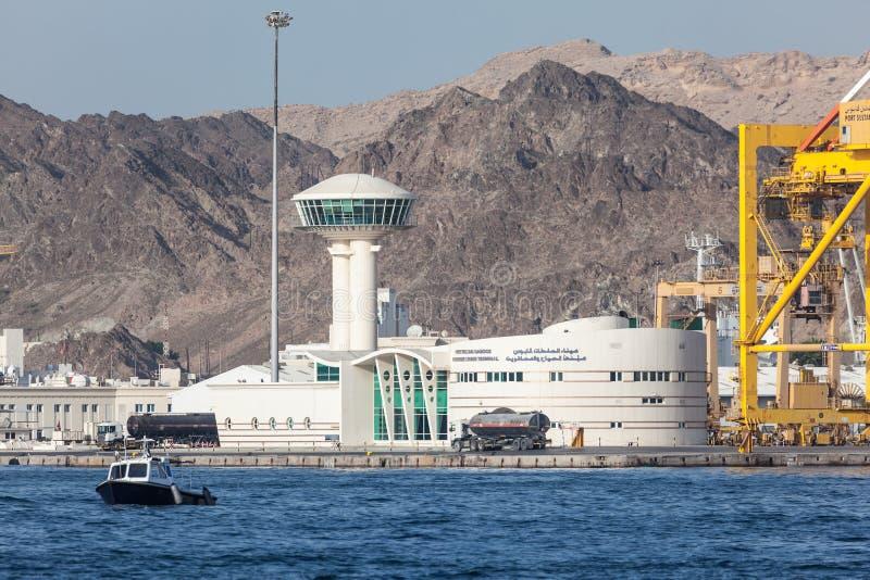 Download Terminal Do Cruzeiro Em Muscat, Omã Imagem de Stock Editorial - Imagem de oman, golfo: 65576569