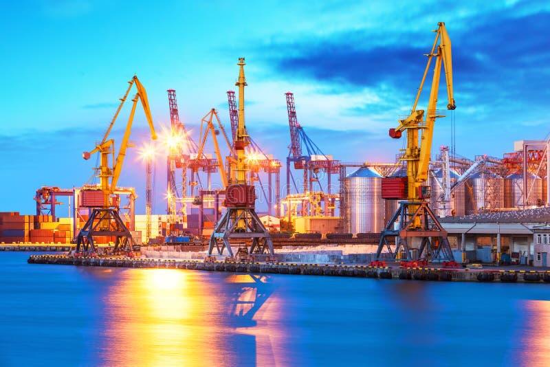 Terminal do mar do porto do frete foto de stock royalty free