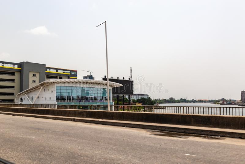 Terminal et crique Lagos Nigéria de cinq cauris images stock